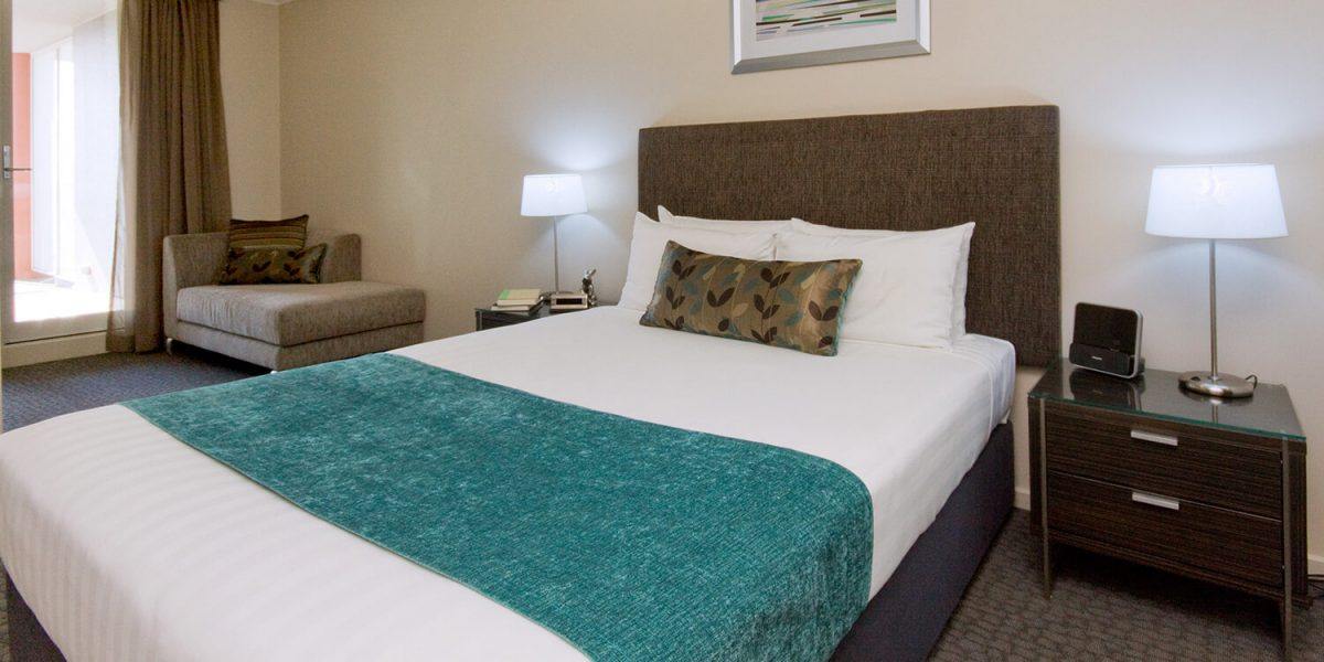 Canberra-two-bedroom-two-bathroom-suite-bedroom | Pacific Suites Canberra